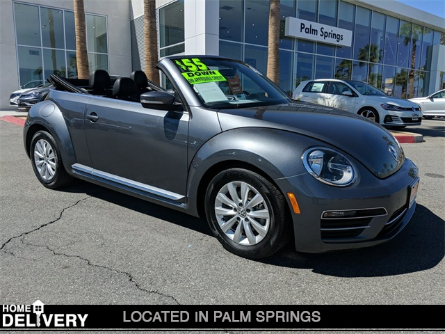 Certified Pre-Owned 2018 Volkswagen Beetle 2.0T SE